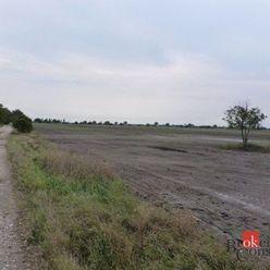 Investičný pozemok v obci Hviezdoslavov na predaj, vhodný pre developera, časť Podháj.