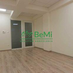 Na prenájom kancelárie 17 a 17 m2 Banská Bystrica - centrum (ID-005-26-MOMI)
