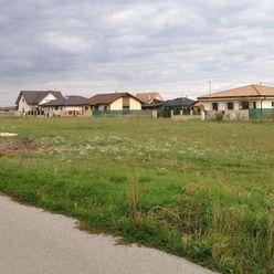 Kúpime pre konkrétneho klienta staveb.pozemky na rodinné domy