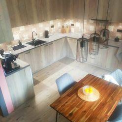 PREDAJ - 2-izb. byt, 70 m2, Chemická ul., tehla, kompl. rek., príjemná, tichá lokalita