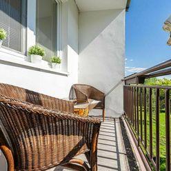 ĽUDOVÁ-útulný, slnečný 1-izbový byt s loggiou, výhľad na zeleň - KE - TERASA
