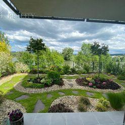 Nadštandardný 4 izbový byt 108 m2 + 17 m2 exteriérová terasa + okrasná záhrada + parkovacie státie T