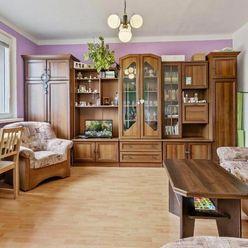 2 izbový byt s výhľadom na les v krásnom prostredí Karlovej Vsi