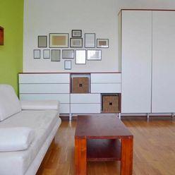 VIDEO: Priestranný 2-izbový byt v Bratislave – Petržalka