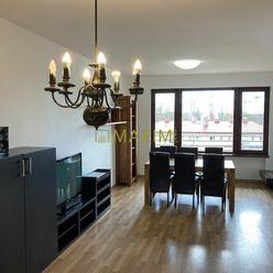 Atraktívny 4,5 izbový byt s troma balkónmi a veľkou terasou v bytovom dome Gaudí na Bazovej ul