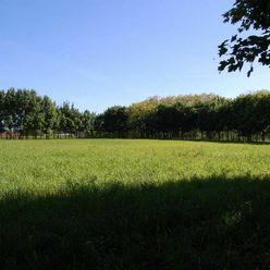 Pozemok v tichej lokalite Devínskeho jazera