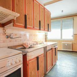 3-izbový byt s balkónom blízko stanice, Nové Zámky – 67,18m2