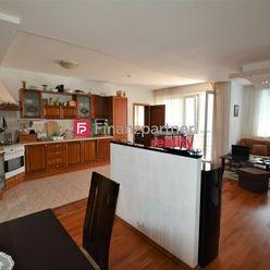 Predaj 4izbového klimatizovaného bytu s krbom v meste Senec