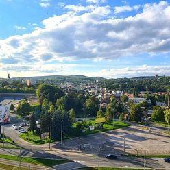 3i, OV, Staré mesto, Tatranská, 74m2 + loggia, čiastočná rekonštrukcia