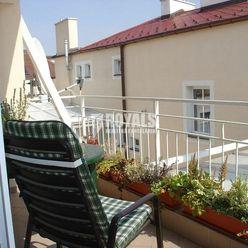 Kompletne zariadený 2i byt s výhľadom na hrad, terasa, výťah, Hviezdoslavovo nám., Staré Mesto