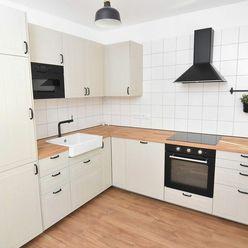 Čarovný 4 izbový byt s lodžiou v Dúbravke po kompletnej rekonštrukcii