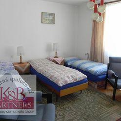 Ponúkame Vám na predaj 8-izbový RD v Trenčianskych Tepliciach.