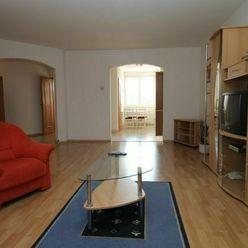 Piešťany- 4 izbový byt Pod Párovcami s výhľadom na park