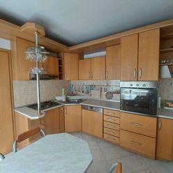 MAXFIN REAL EXKLUZÍVNE na predaj veľký 3 izb byt 84m2 na Bellovej ul.