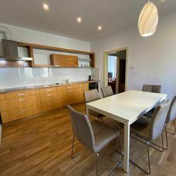 Komfortný 4-izbový byt na dlhodobý prenájom v lokalite Sever
