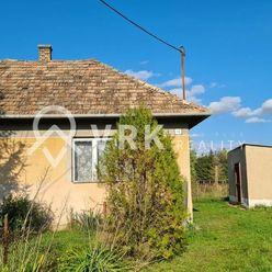 Rodinný dom s veľkým pozemkom v obci Janík