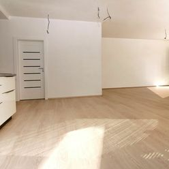 PREDAJ-Výnimočný 2 IZBOVÝ BYT-NOVOSTAVBA 2021, 64,30 m2, PODIEL NA ZÁHRADE, parkovacie miesto, Rezid