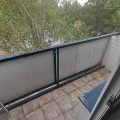 Exluzivne 1i byt s balkonom v centre