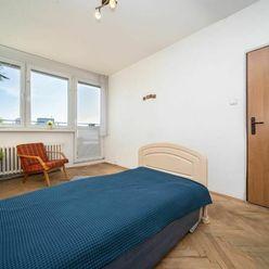PREDAJ - Slnečný 2 izbový byt, Mikovíniho ulica