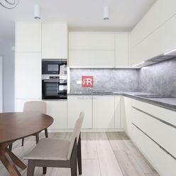 HERRYS - Na prenájom čiastočne zariadený priestranný 2-izbový byt v novostavbe City Park s klimatizá
