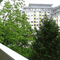 IMPREAL »»» Ružinov »» Nová ponuka na trhu » Veľký 3-izbový byt so samostatnou kuchyňou a jedálňou »