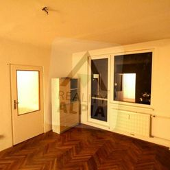 Čiastočne rekonštruovaný 3-izb byt v blízkosti centra Komárna