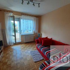 Slnečný trojizbový byt s dvomi balkónmi