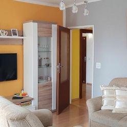 Ponúkame Vám na predaj 4-izbový byt na sídlisku  Juh, na ulici Jana Halašu o rozlohe 77 m2, na 2 pos