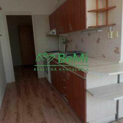 Predaj 3 - izbového bytu v Banskej Bystrici v časti Fončorda 64m2  (014-113-MOMIa)