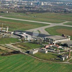 Investičný pozemok  s rozlohou takmer 13000 m2 pri letisku