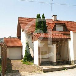 rodinný dom vo výbornej lokalite pripravený na rekonštrukciu - 5 izieb, kuchyňa, 3 kúpeľne, garáž a