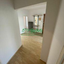 Predaj 4-izb. byt v Karlovej Vsi-Dlhé Diely