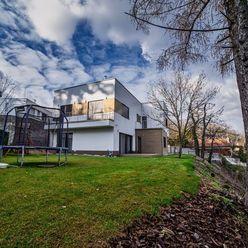 Rodinný dom v Horskom parku s panoramatickým výhľadom na Slavín, Kamzík a mesto