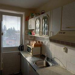 Výborná lokalita! 3 izbový byt, čiastočná rekonštrukcia, 55,60m2, Svätoplukova ulica, Senec