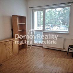 PRENÁJOM/ 1+1 izbový byt v PD – St. sídlisko, Bojnická cesta, 40 m2, lódžia