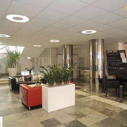 Prenájom kancelárií v centre, Gajova ul, 55 m2, 45m2, 150m2