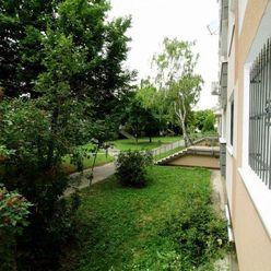 DOM-REALÍT ponúka Zariadený 1-izbový byt, Podunajské Biskupice, BA II