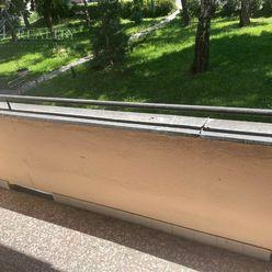 Na predaj priestranný 3i byt,, 72 m2, balkón, lodžia Trenčín - Pred poľom