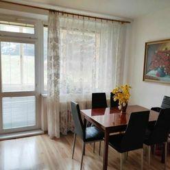 2,5.izbový byt s loggiou a špajzou - sídlisko Sekčov-ulica Martina Benku