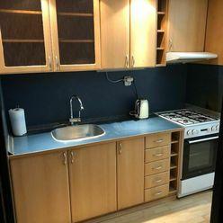 Apartim sro predá pekný 3 izbový byt s loggiou na Šustekovej ulici na začiatku Petržalky