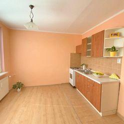 1 - izbový zrekonštruovaný byt na ul.Gorkého