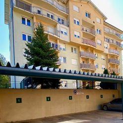 Útulný 2 izbový byt Pravenec 57 m2 balkón park. miesto