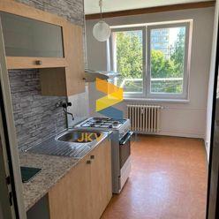 JKV Real ponúka na predaj  2 izbový byt v Ružinove na Sečovskej ulici