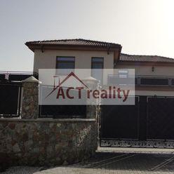 Exkluzívne: Luxusný rodinný dom-vila, 1324 m2, 6 izieb, 7 kúpeľní, 8 WC, 2 terasy, 10 parkovacích mi