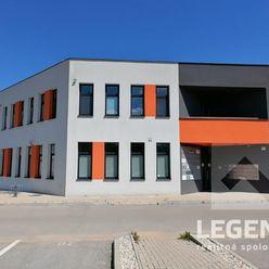 LEGEND - Prenájom kancelárskeho priestoru v Trenčíne, Pod Juhom, 20 m2, parkovanie