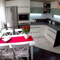 Moderný 3 izbový byt po celkovej rekonštrukcii, 74m2 v obci Trstice na predaj !!!