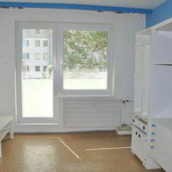 Na predaj veľký 3 izbový byt s balkónom