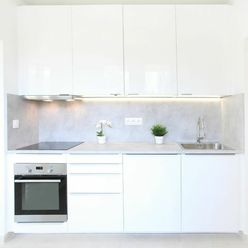 2 izbový byt pri električke - nová rekonštrukcia