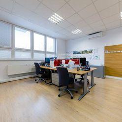 Moderný kancelársky priestor v novostavbe