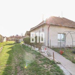 Rodinný dom / Chalupa s 12,40á  krásnym pozemkom v Tekovských Lužanoch!!!